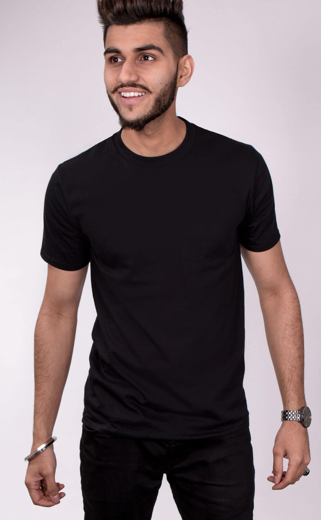 Size guide image for Mens Casual shirt type. Model is dressed in black
