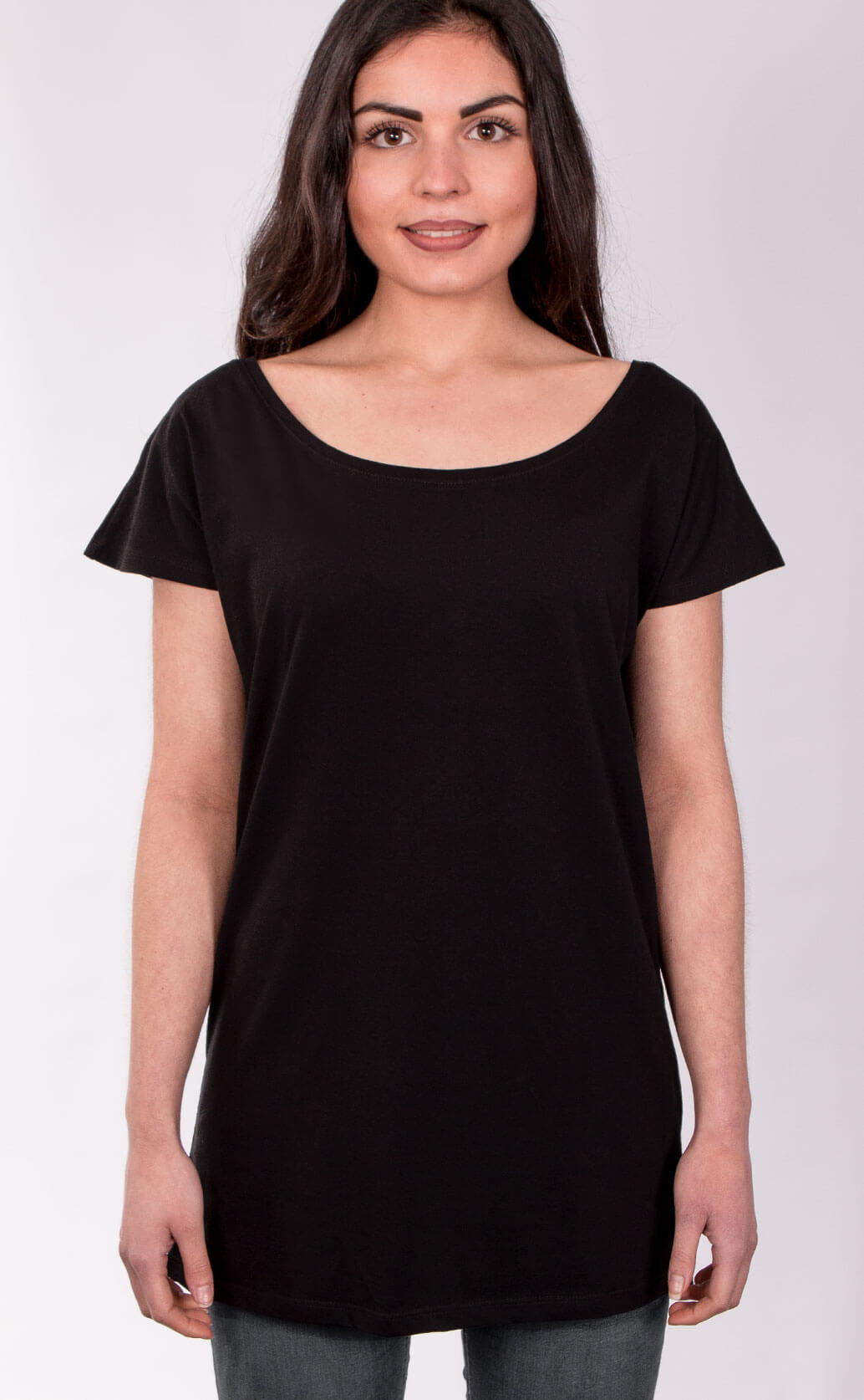 Size guide image for Relaxed T Shirt shirt type. Model is dressed in black